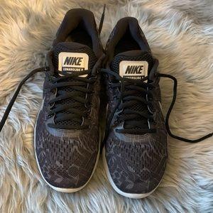 Nike Lunarglide 8 sneakers